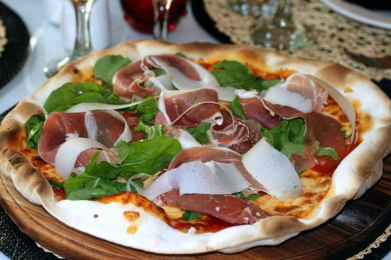Wonderful pizza la locanda with Parma Ham