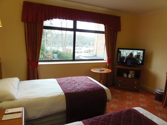Lakeside Continental Hotel: Twin Room