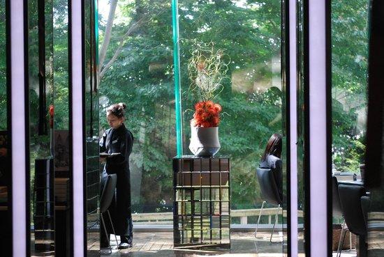 Ishikawa Prefectural Art Museum :                   清清しいカフェ
