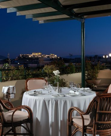 Stanley Hotel: Virtus Rooftop Restaurant with Acropolis view