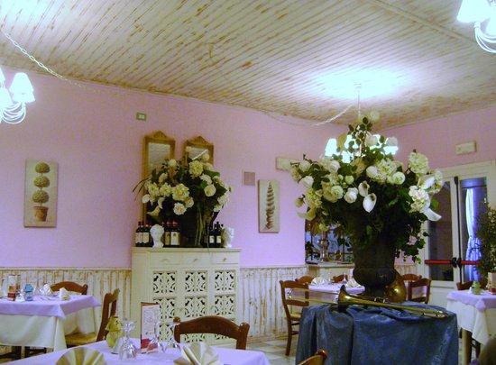 Casciana Terme, Italy:                   ancora fiori