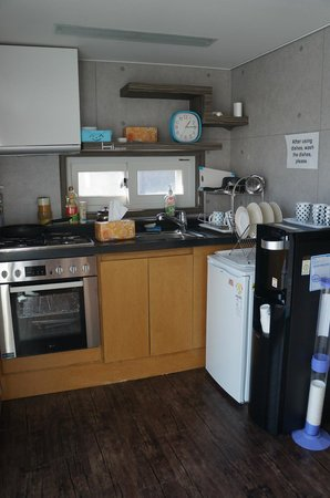 Hi Guesthouse:                                     Cooking Area