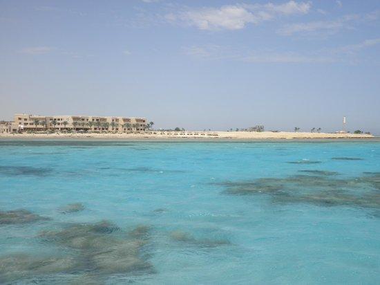 Sheraton Hurghada Hotel:                   Lagon peu profond ! idéal pour non nageurs