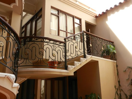 San Marino Royal Hotel:                   chambre sur patio