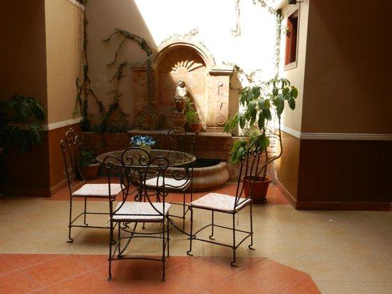 San Marino Royal Hotel:                   salon