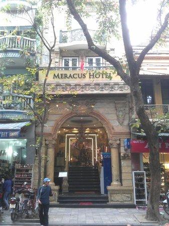 Hanoi Meracus Hotel 1:                   Hotel entrance