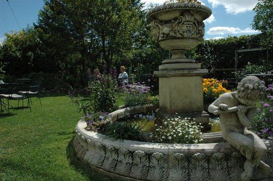 The Inn at Grinshill: Fountain