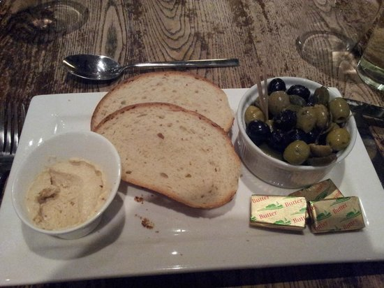 The Red Well Inn: Homus and Olives