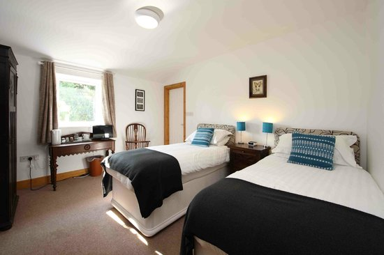The Old Piggery Guest House & Yurts: One of our comfortable twin en suite rooms