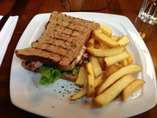 The Coal Hole: chicken and bacon sandwich