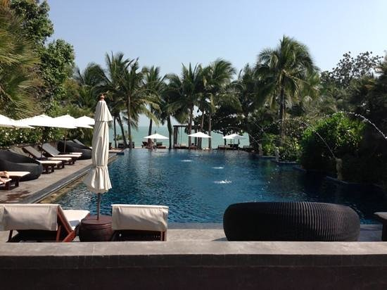 Movenpick Asara Resort & Spa Hua Hin:                   深いプール