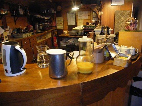 Gite-Auberge La Chouette : Les boissons du petit dej