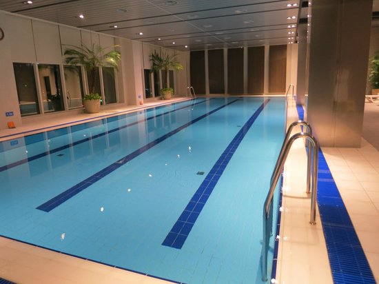 Lotte City Hotel Mapo:                   Pool at 6am