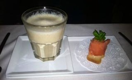 artcafe26: Cream of Cauliflower Soup and smoked salmon