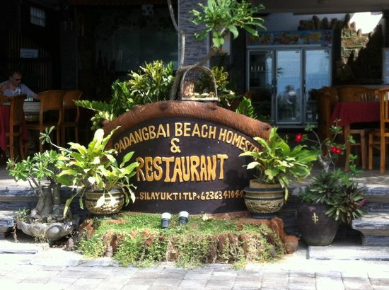 Padangbai Beach Homestay: front