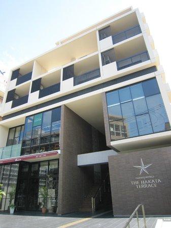 Candeo Hotels The Hakata Terrace :                   ホテル外観・正面入口