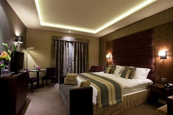The Mere Golf Resort and Spa: Double Guestroom