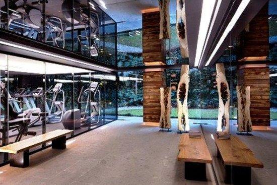 Las Suites: Health Club