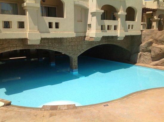Rixos Sharm El Sheikh: cave pool s