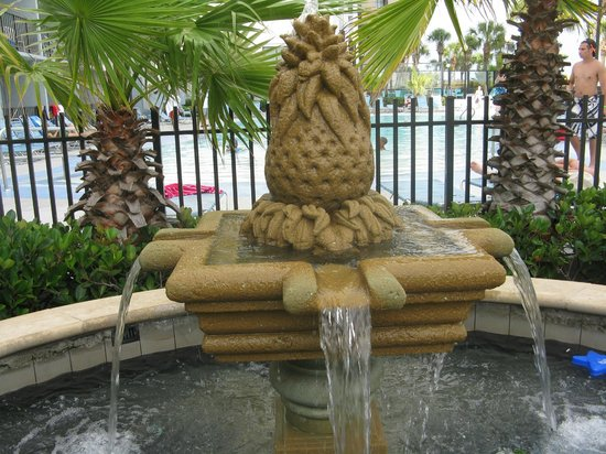 Dayton House Resort:                   beautiful fountain