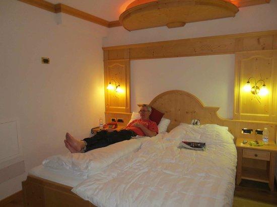 Alpen Hotel Vidi:                   bed in superior room