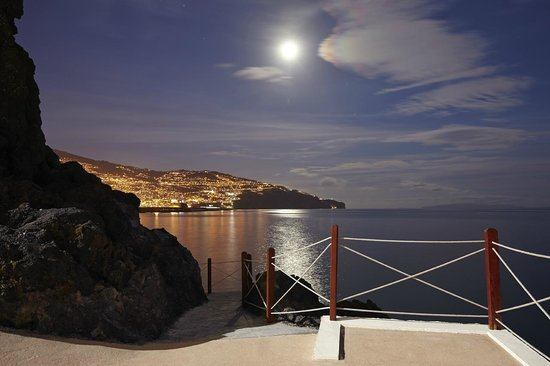 Hotel The Cliff Bay: The Cliff Bay | View to Funchal Bay