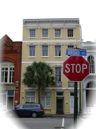 Charleston Footprints Walking Tours:                   Even with overcast skies, Charleston's charm abounds.