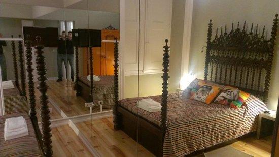 Lisbon Short Stay Apartments Baixa: Una camera da letto