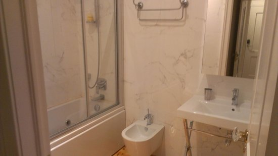 Lisbon Short Stay Apartments Baixa: Un bagno