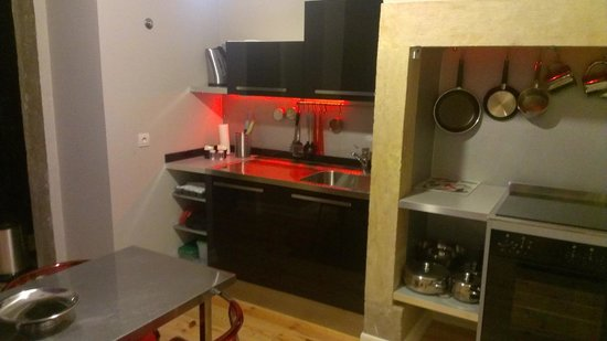 Lisbon Short Stay Apartments Baixa: Cucina