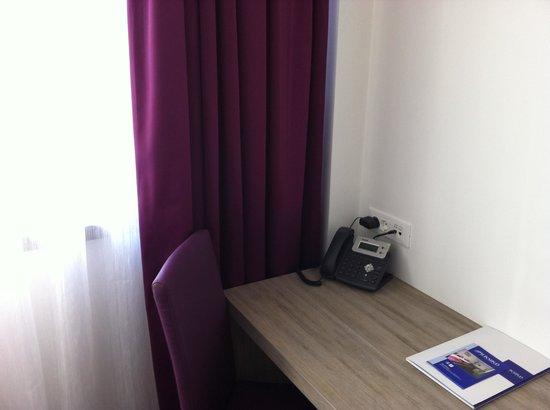Hotel Meksiko: room