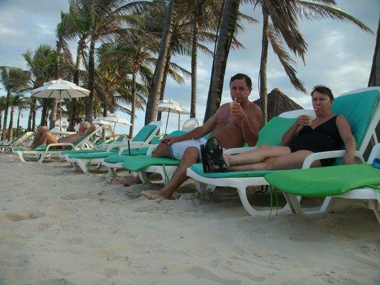 Oceani Beach Park Hotel: caipirinha a la sombra