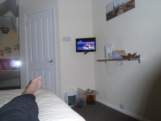 Queen Annes Guest House :                   on-suite double