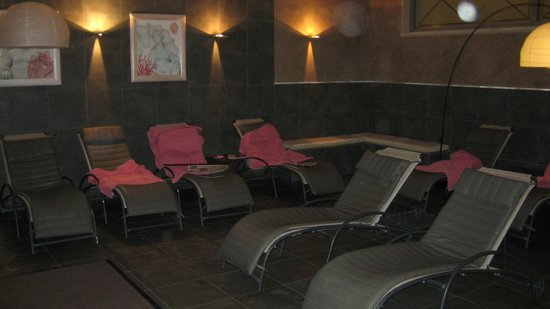 Grotta Giusti: Hotel guests reserved small relaxing area in the Spa