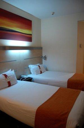 Holiday Inn Express Madrid-Alcorcon:                   小綺麗です。少し寒かったかな。