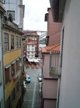 Pestana Vintage Porto:                   部屋の窓から  裏側