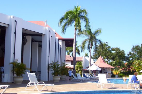 BlueBay Villas Doradas Adults Only: vu à piscine