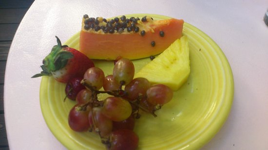 Key West Bed and Breakfast: Fruits from the breakfast