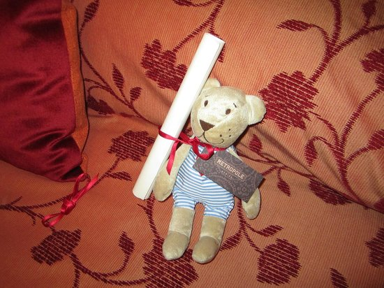 Metropole Hotel:                   Teddy left for children in family rooms