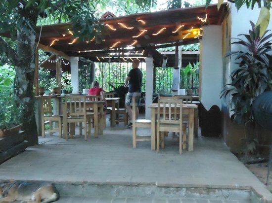 lavija panaderia:                   view of eating area