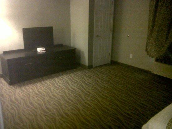 La Quinta Inn & Suites Laredo Airport:                   Bedroom