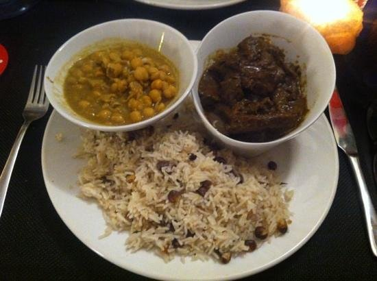 Verna's Pepper Shack:                   goat curry