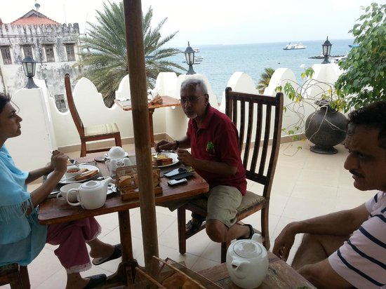 The Seyyida Hotel & Spa:                   Roof Top Breakfast & view