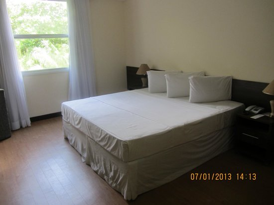 Tropical Manaus Ecoresort: das renovierte Zimmer: Bett