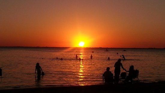 Puesta del sol fotograf a de balneario las ca as fray for Centro turistico puesta del sol
