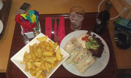 Auburn Lodge Hotel & Leisure Centre:                   Room service. Tasty !