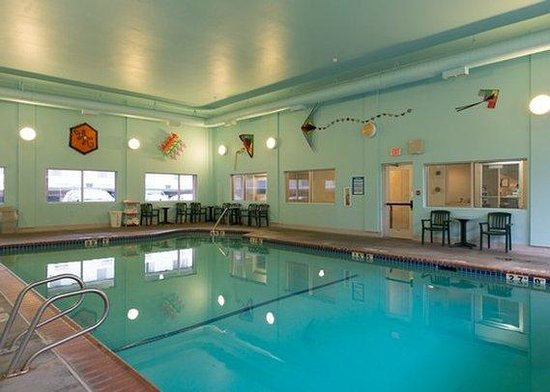 Quality Inn Downtown Convention Center: Pool