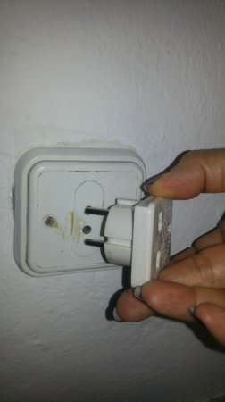 Hotel Ariane :                   Electric plugs are dated, normal plug does not fit!