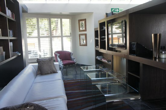 O on Kloof Boutique Hotel & Spa:                                     The Chill Out Lounge