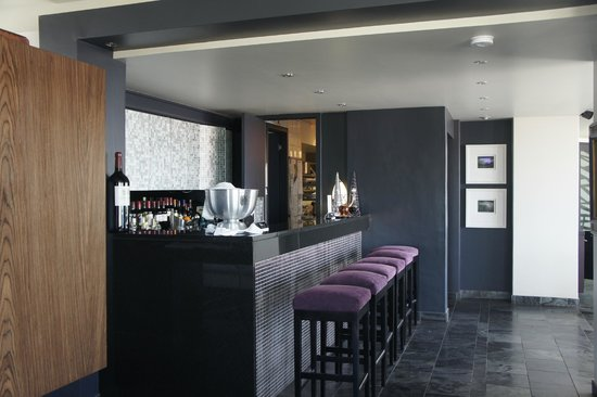 O on Kloof Boutique Hotel & Spa :                                     Bar Area